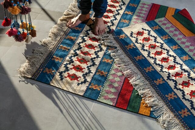 how to store rugs